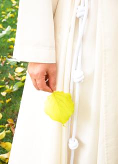 Cordón en el hábito de una religiosa Concepcionista Franciscana